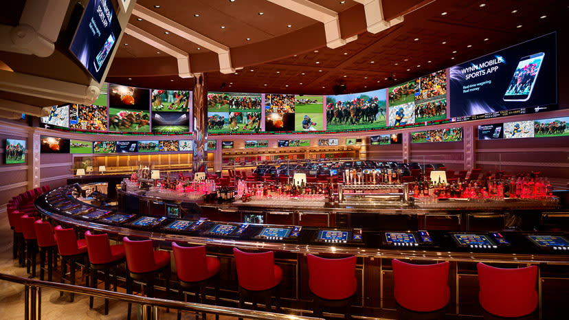 ynn_RaceAndSportsBook_Bar_Barbara